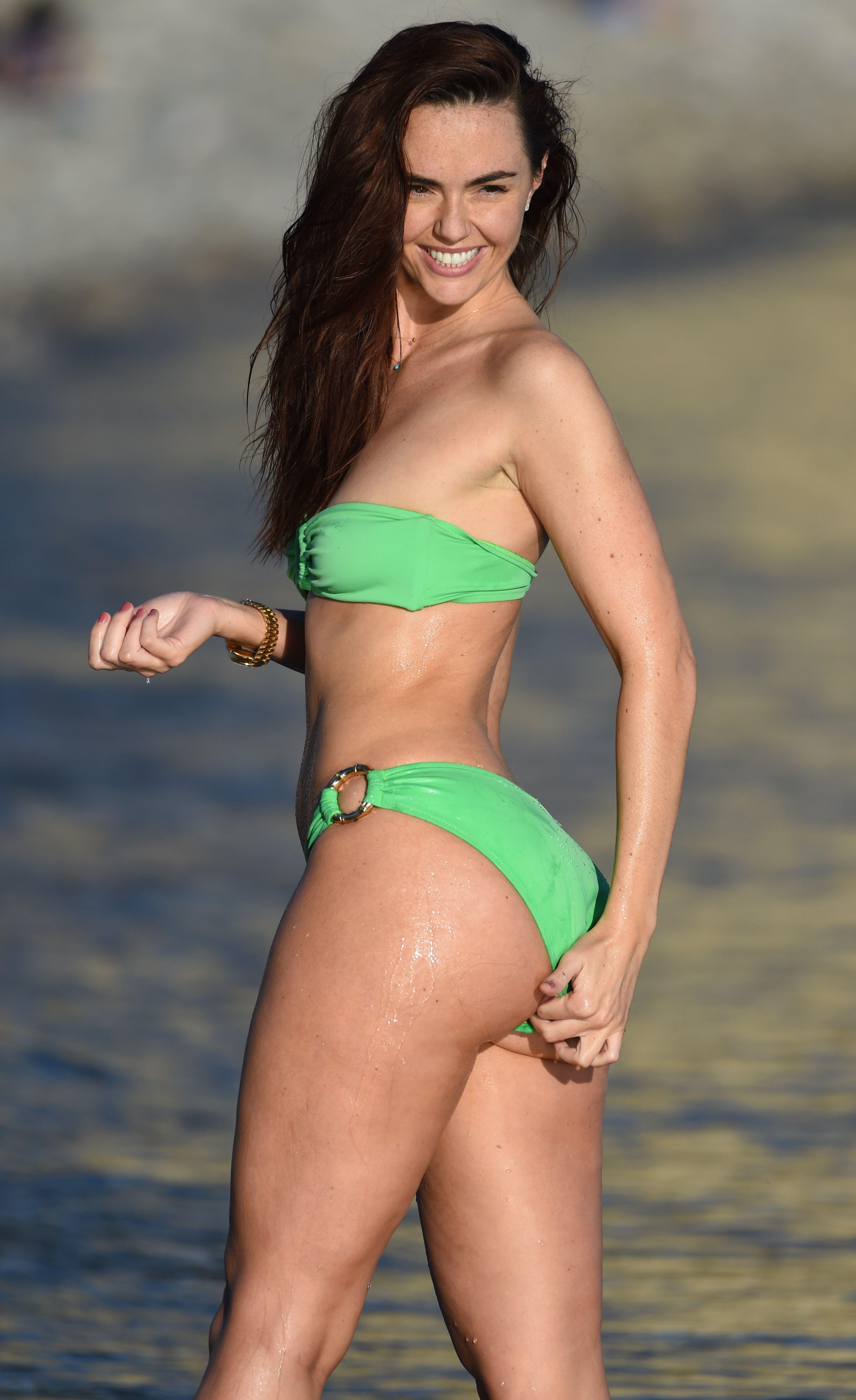 Cleavage Jennifer Metcalfe nudes (45 photos), Pussy, Leaked, Feet, underwear 2020