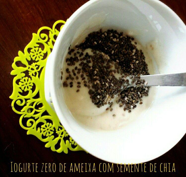 Iogurte zero de ameixa com semente de chia!  Opção ideal para um lanche saudável!