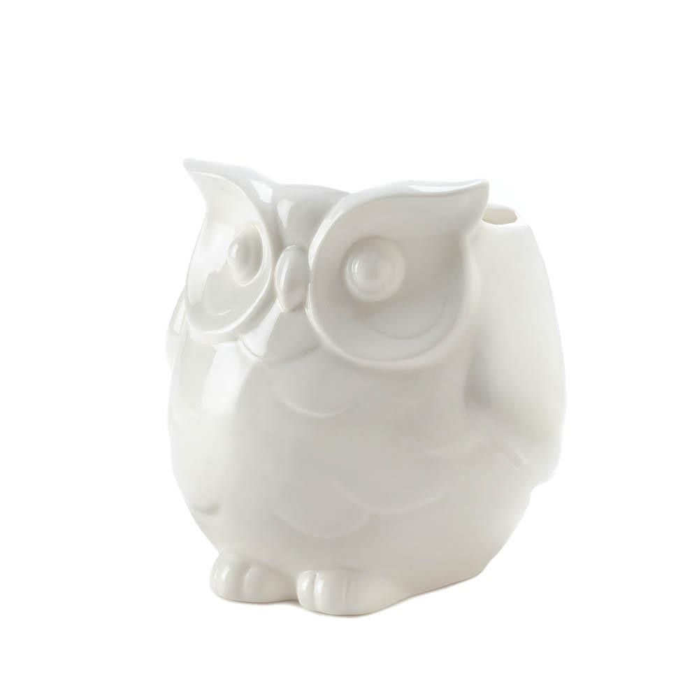 Friendly white owl vase httpmajorcollectables pinterest place your favorite plant or a bouquet of fresh flowers in this friendly white owl vase and your room will suddenly seem twice as charming reviewsmspy