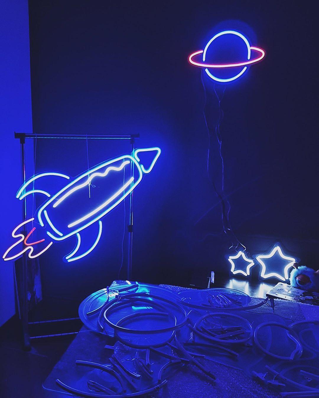 (neonwave.custom) on Instagram Spaceship Rocket