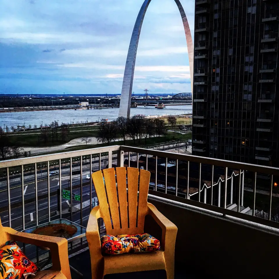 St Louis Apartments For Rent Near Washington University: Riverfront Views In The Heart Of Downtown!
