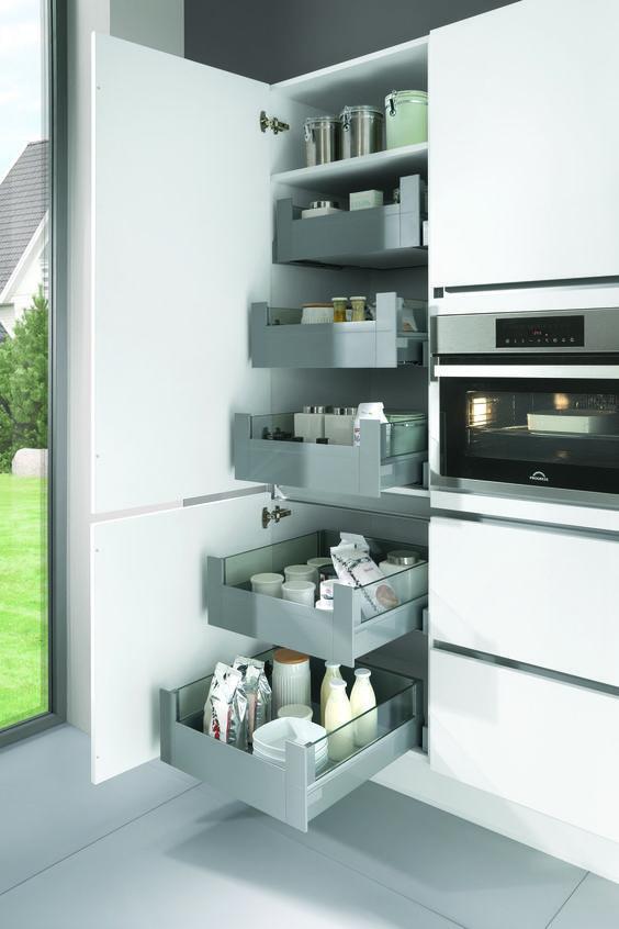 overzichtelijke voorraadkast voor de keuken opbergruimte keukens opbergsystemen en. Black Bedroom Furniture Sets. Home Design Ideas