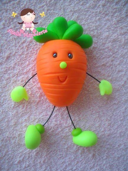 Molde de cenoura Ideal para ímãs, chaveiros e outros Contém cenoura lisa, folhas, mãos, pés e dois formatos de olhos zoiudinhos Não acompanha acessórios como a mini cenoura Veja outras fotos