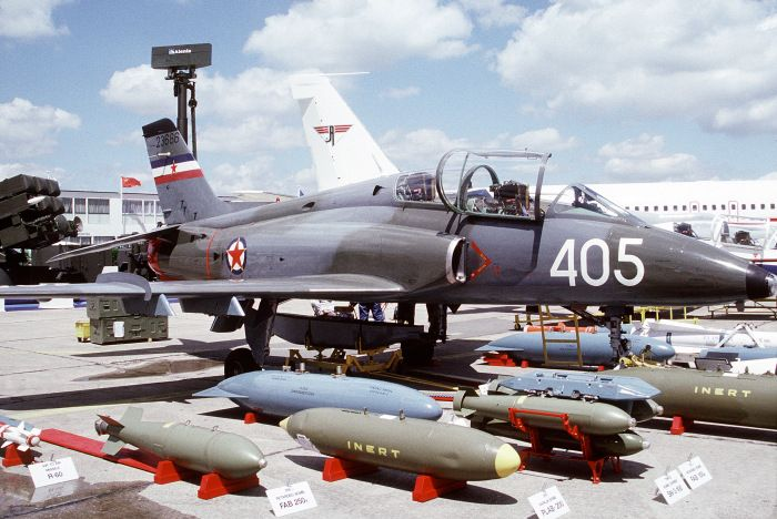 A Yugoslav Air Force Soko G-4 Super Galeb displaying armament options at the 1991 Paris Air Show