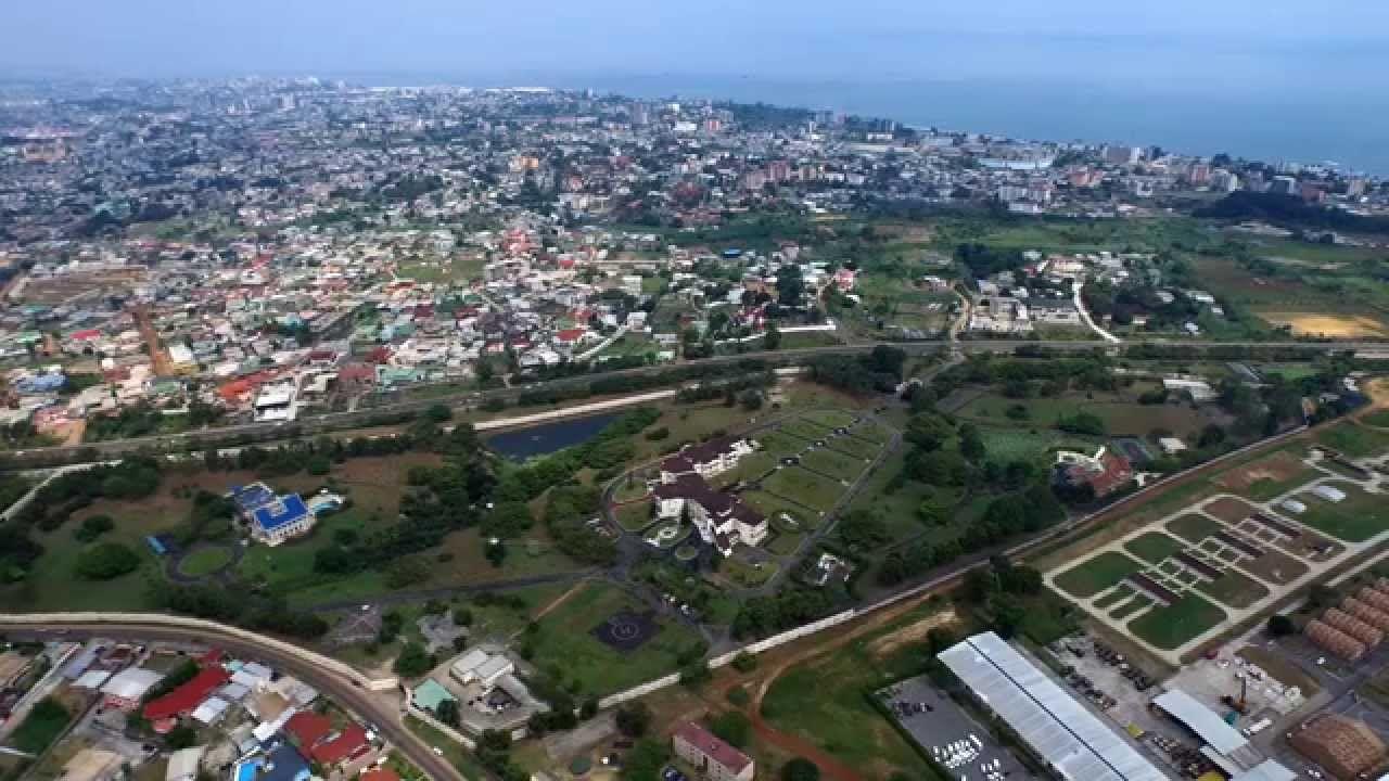 Quartier Du Camp De Gaulle A Libreville Au Gabon Avec Un Drone Inspire 1