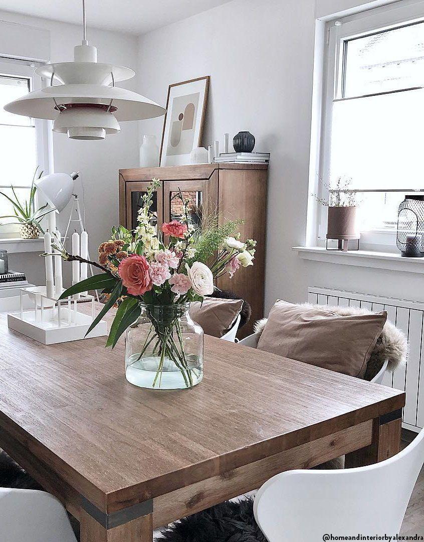 Scandi Meets Boho Stilmix Auf Skandinavisch Wenn Zwei Angesagte Stil Richtungen Aufeinandertreffen Ist Das Ergeb Marmor Esstische Haus Deko Esstisch Stuhle