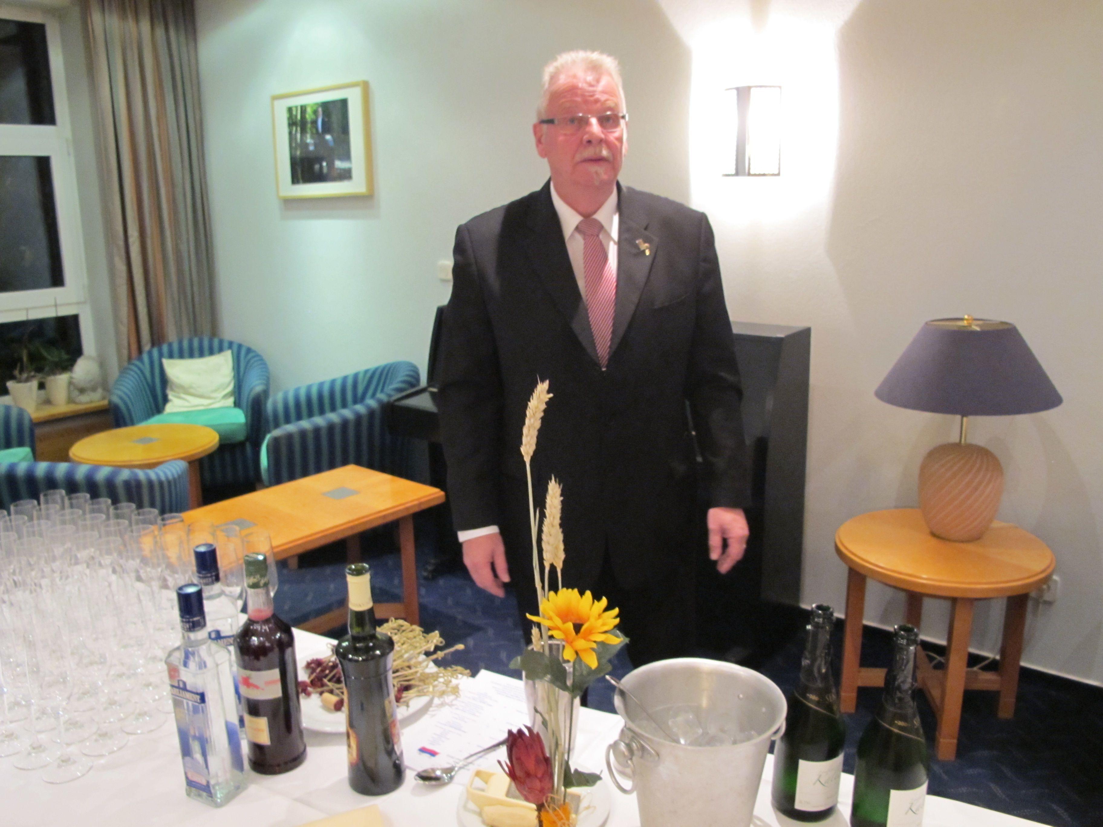 Dieter Wlter Before Dinner Cocktail (mit Bildern) | Cocktail