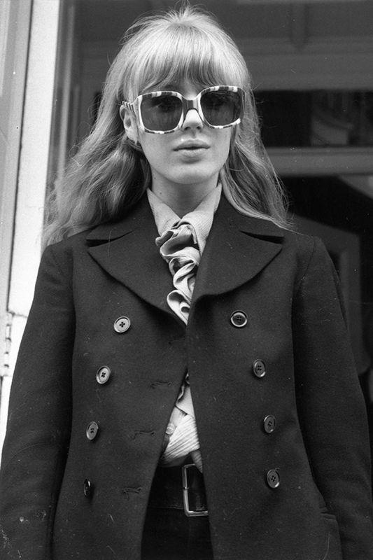 懾人的英倫時尚魅力:20 位完美演繹英倫風情的女性!