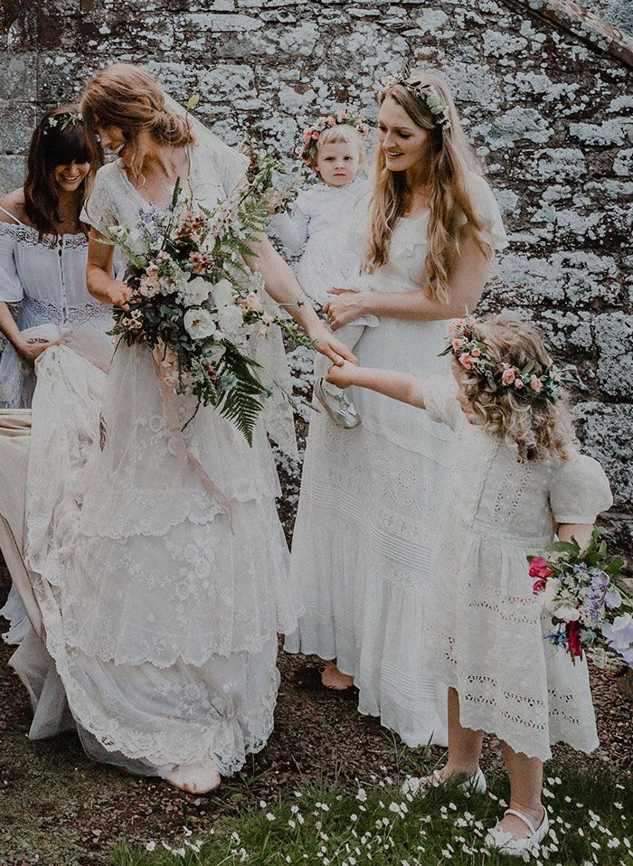147 Y O Wedding Dress Made By Bride S Great Great Grandmother Gets