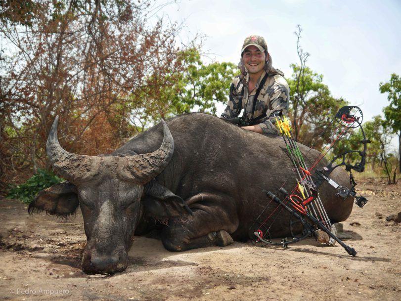 Bowhunting Benin Pedro Ampuero Bow hunting, Hunting