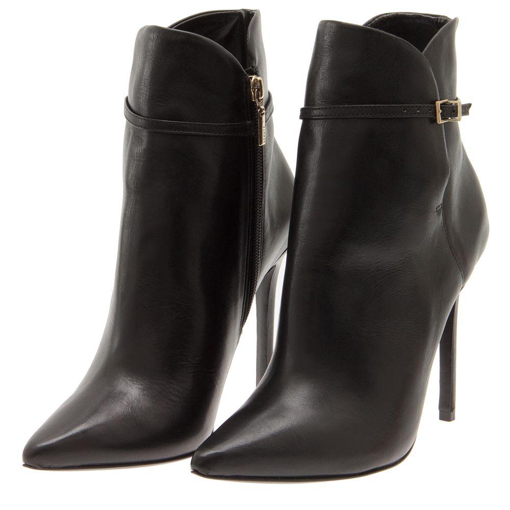 5133df054 SCHUTZ - Bota Schutz bico fino - preta - OQVestir   -Shoe Obsession ...