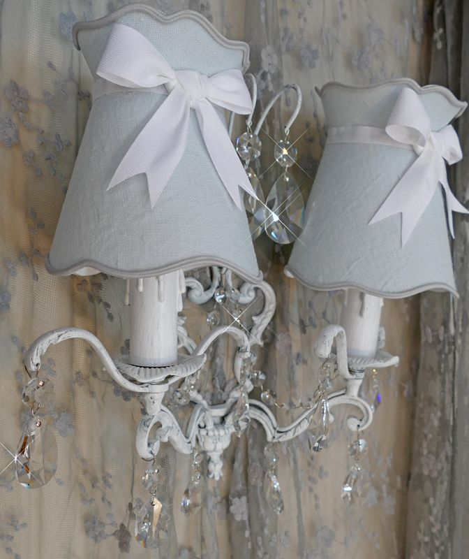 applique double branche en bronze peint en blanc et
