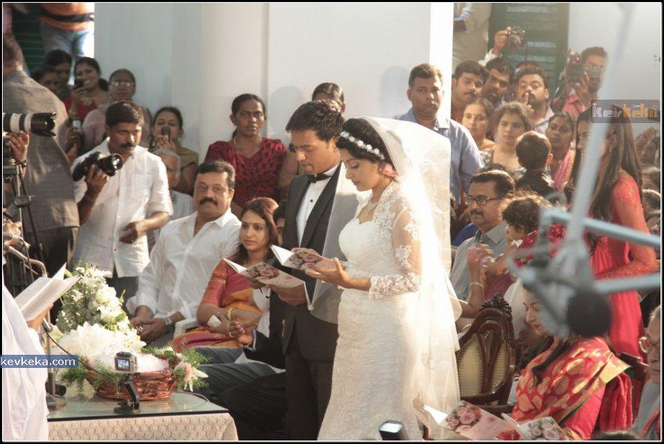 Meera Jasmine Wedding Photos Meera Jasmine Marriage Stills Meera