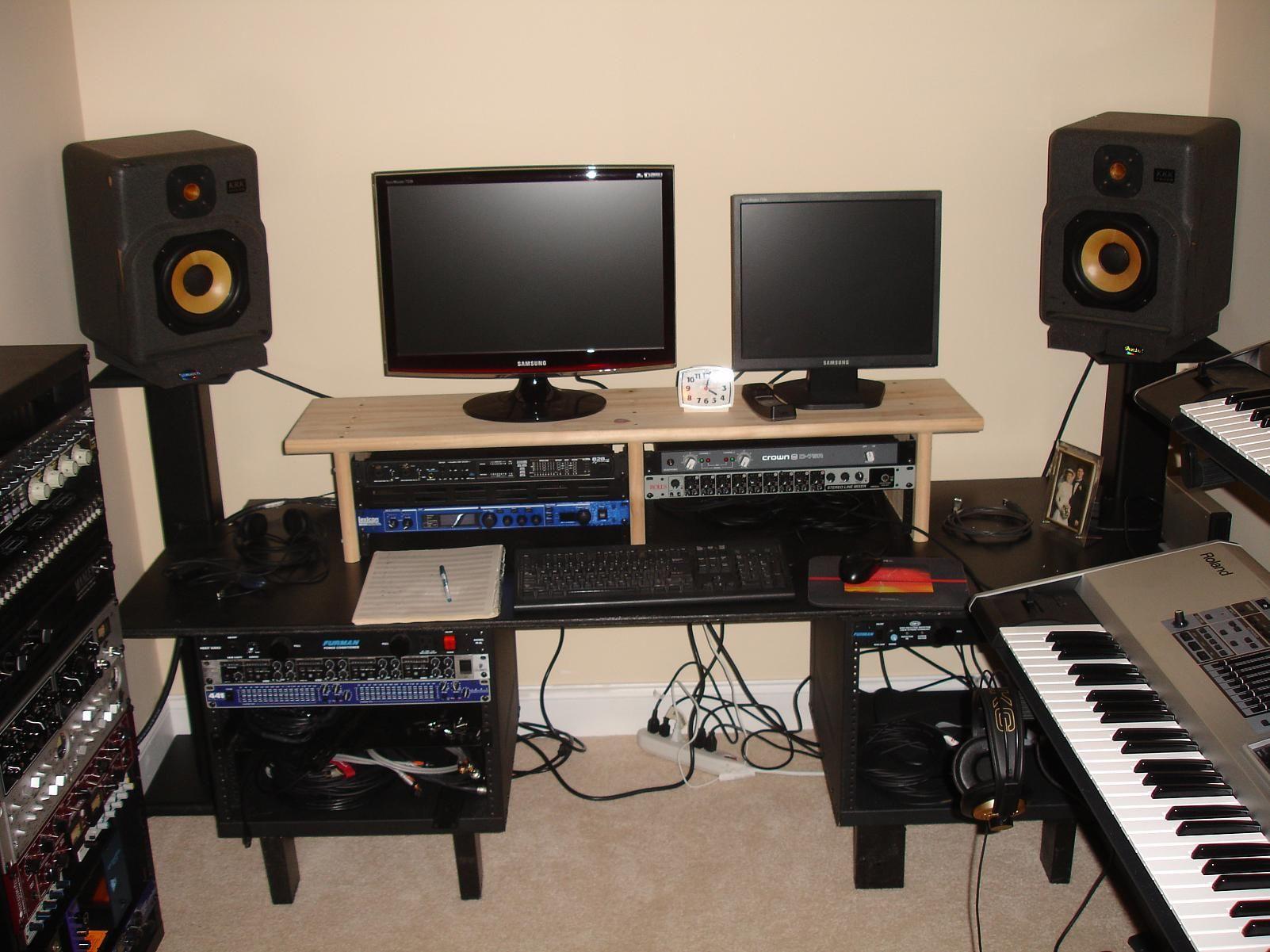 A Major Label Recording Artist Shares Hit Home Secrets Bit