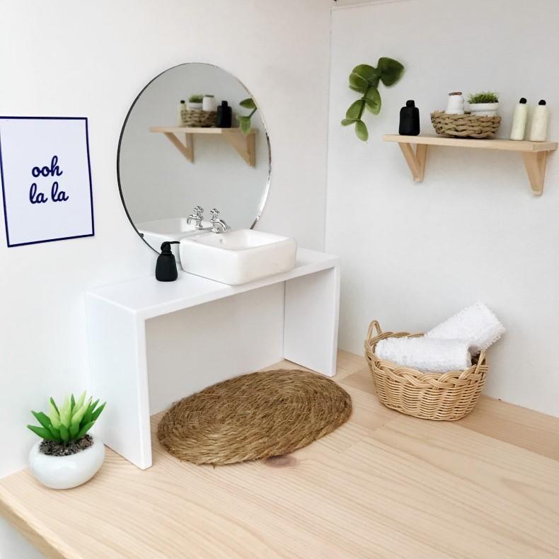 modern dolls house bathroom, modern dollhouse bathroom, dolls house double vanity, dollhouse vanity #barbiefurniture