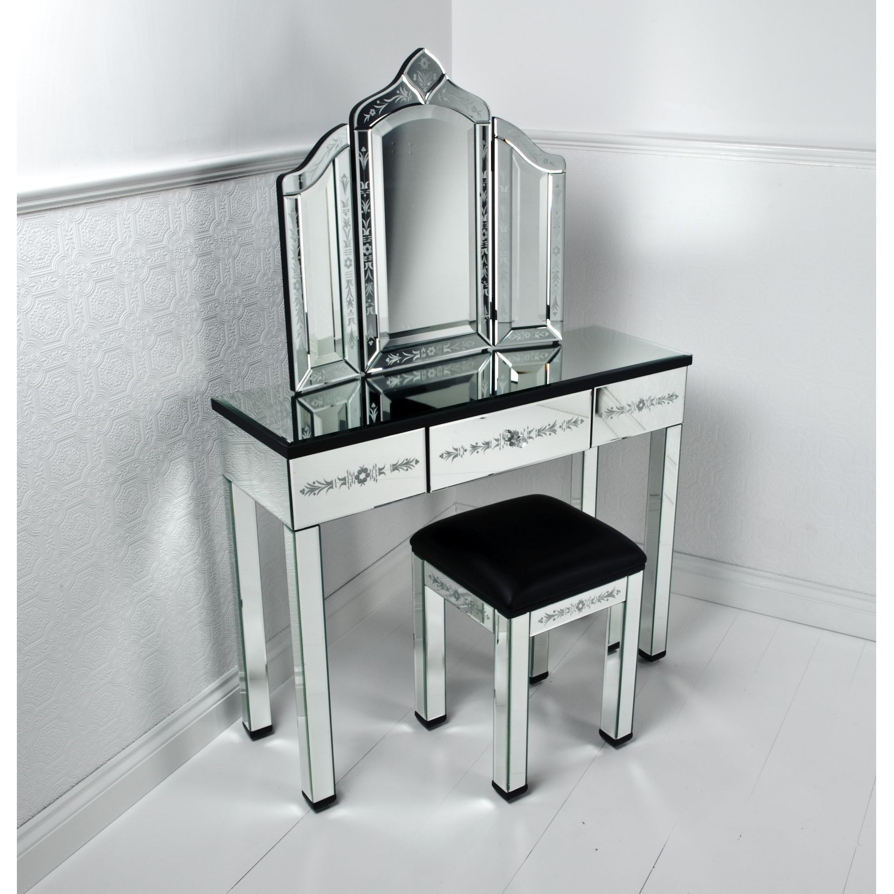 Furniture Corner Mirrored Vanity Table Pier One With Drawer And Black Glass Top Modern Dressing Table Designs Mirrored Vanity Table Mirrored Bedroom Furniture