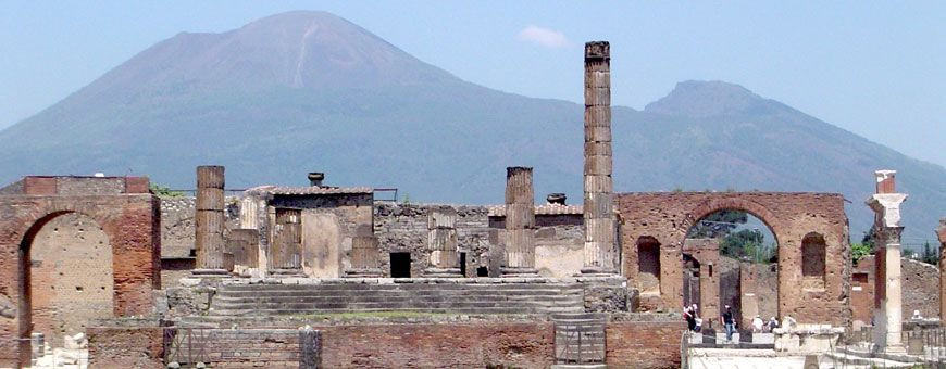 In Ancient Pompeii, Trash and Tombs Went Hand in Hand