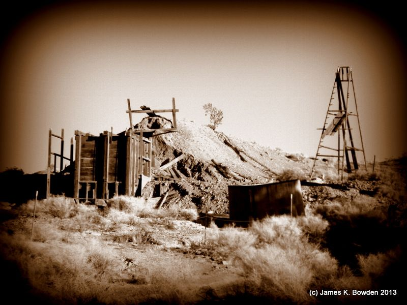 Gold mines in the Mojave Desert at Ransburg, California