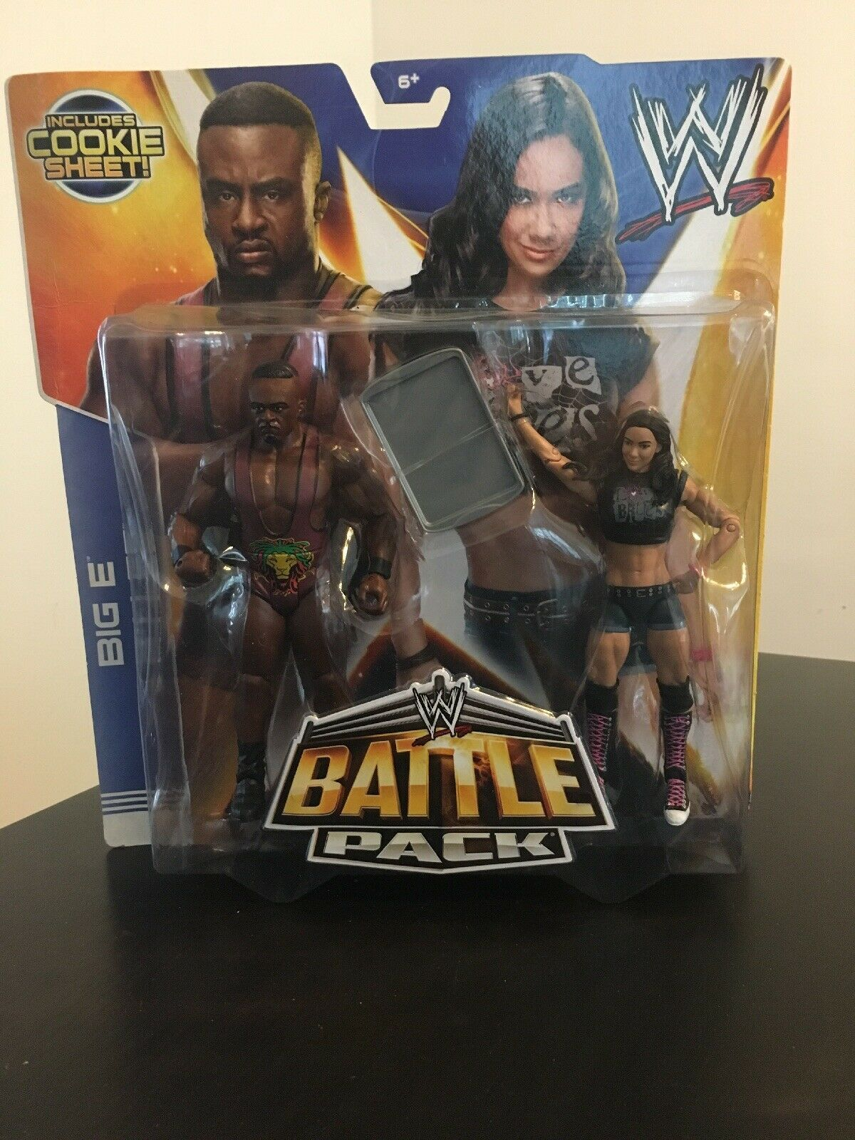 WWE Battle Pack Series 28 Big E  AJ Lee Action Figures Cookie Sheet New READ