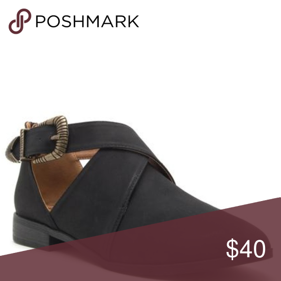 8cb68c92341 Black Buckle Wrap Flats These Buckle Wrap Flats are True To Size and will  make a great addition to any collection Buckle Shoes Flats   Loafers