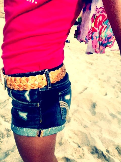 Hollister shorts and top. And a scarf. At the beach. My style.