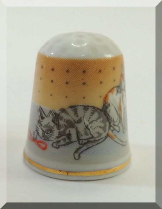 German Vintage Thimble with Cats by DLSpecialties on Etsy, $12.00