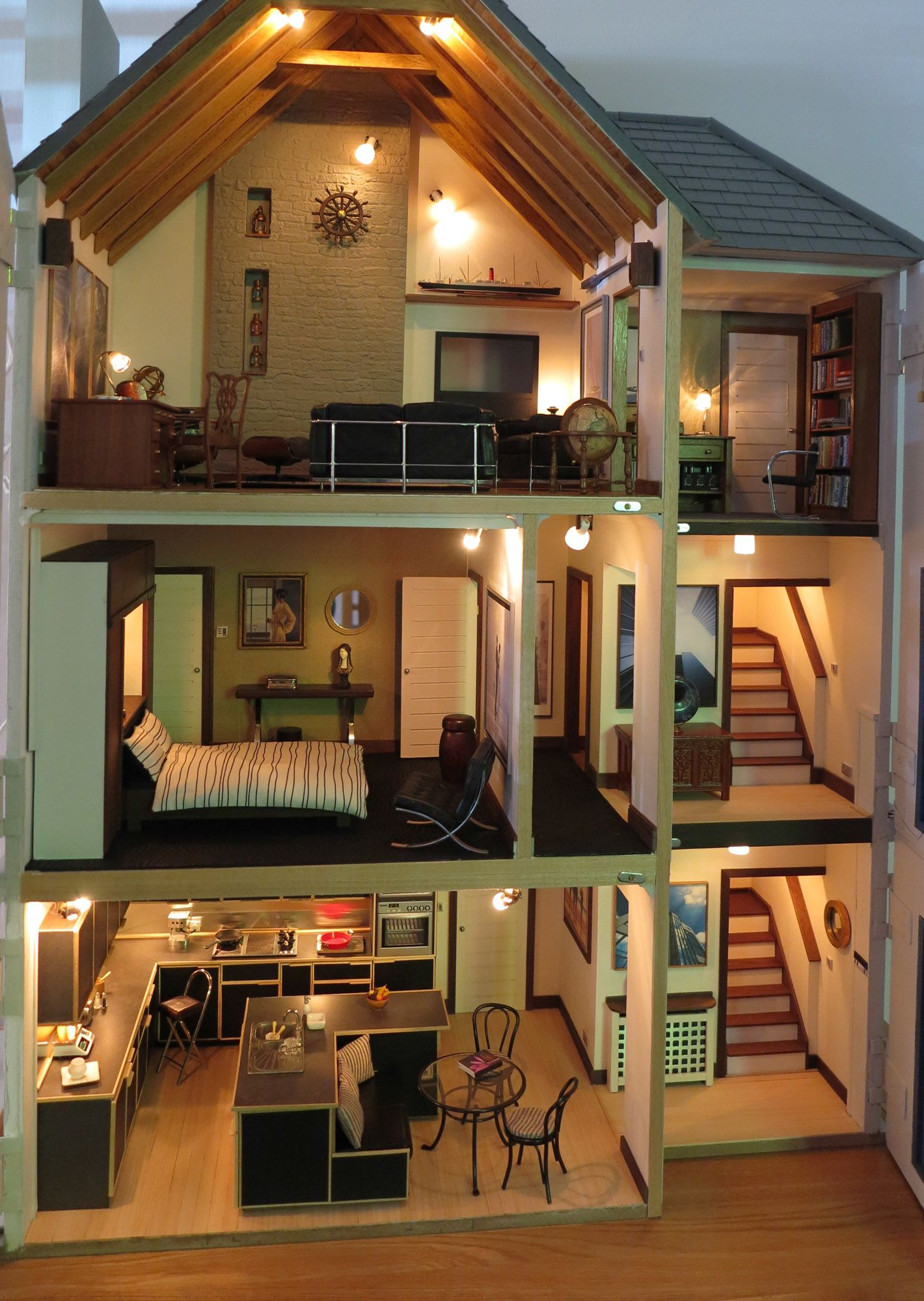 Lakeview House Interior | Miniature Houses | Pinterest | Doll houses ...