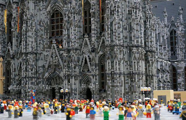 #lego #Cologne Cathedral / Kölner Dom aus Lego / via @hansdorsch / Foto von Tom Weeks