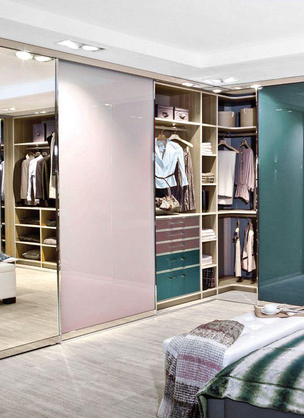 Kleiderschränke gibt es auch über Eck - mit individuellem Design von ...