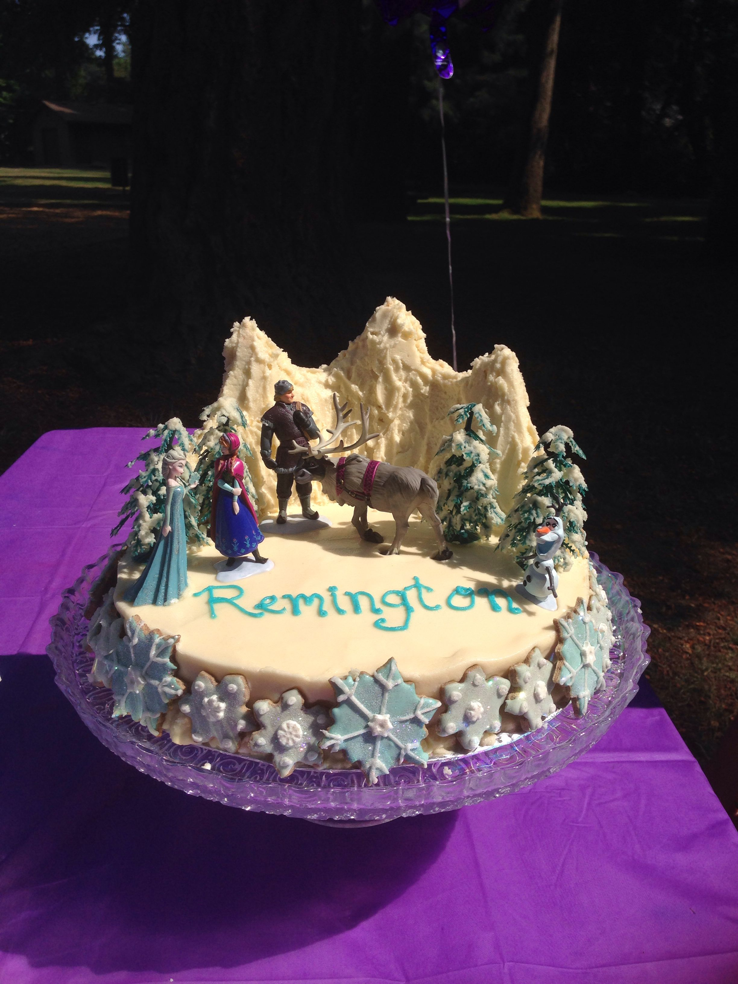 Frozen cake for starting school party.