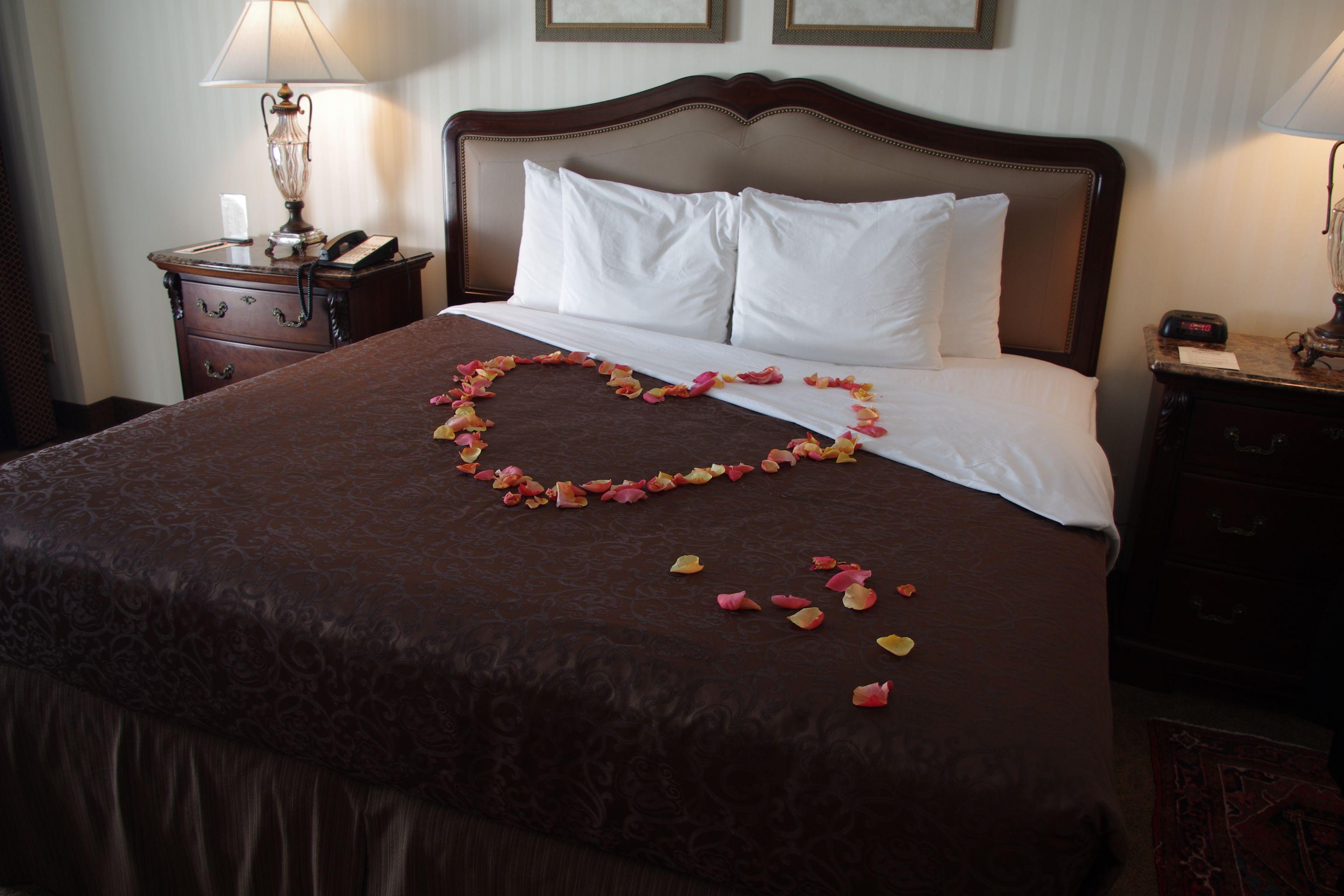 o henry hotel bridal suite rose petals greensboro nc