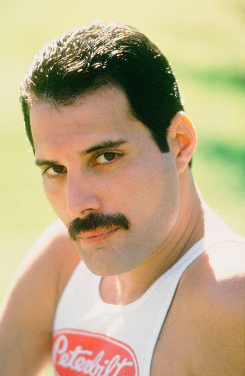 Freddie Mercury on Twitter