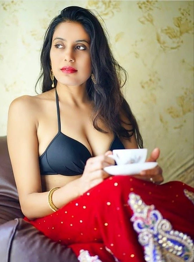 Image result for sexy indian aunty