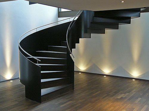 Columbus Treppen schrägverzahnte treppe gera stufen metall wangen columbus