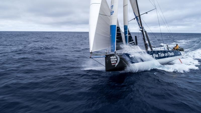 Volvo Ocean Race Skirting The Near Calm On Day 5 Leg 6 In 2020 Volvo Ocean Race Volvo Sail World