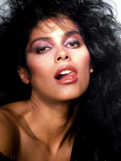 Charmant Canadian Singer And Actress Denise Matthew Is Mainly Known As Vanity Died  At The Age Of Matthews Died From Kidney Failure In Fremont.