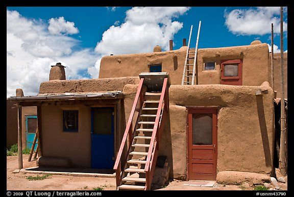 Multi Story Pueblo Houses With Ladders Taos New Mexico Usa Color Pueblo House Pueblo Style House Spanish Style Homes