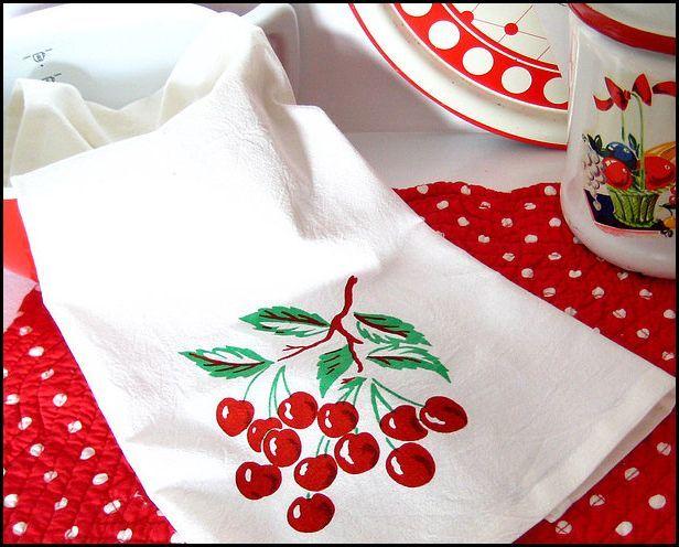 Nice Vintage Cherry CHERRIES Tablecloth Look Flour Sack Kitchen Towel $6.99