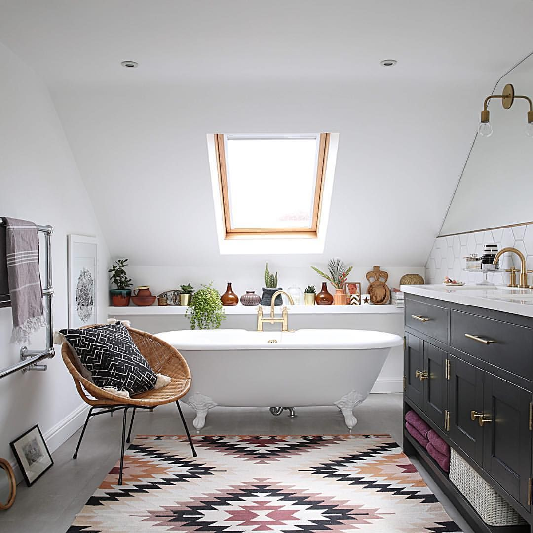 Oh my oh my oh my how stunning is this bathroom in the home of ...