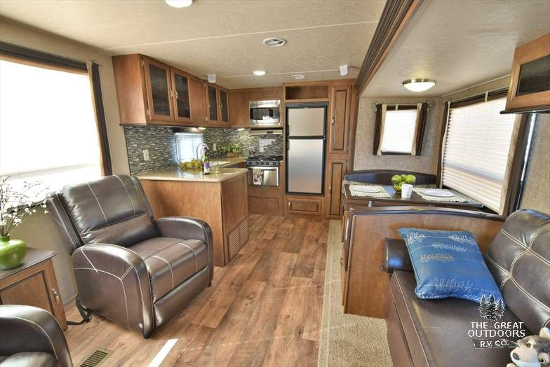 The Wildwood T27rkss Is The Perfect Sized Travel Trailer