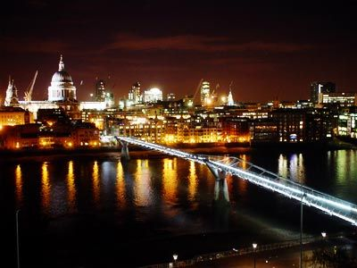 Millennium Bridge At Night View From The Tate Modern London Millennium Bridge London Places London