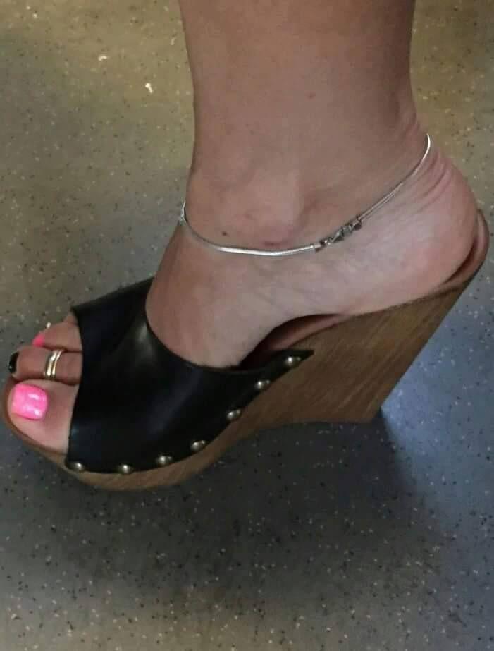 144dfcb67 Tamancos, Sapatos Para Garotas, Sapato De Salto Alto Sexy, Anabela,  Sandálias De