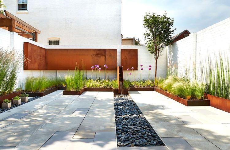 A Backyard Garden With A Cor Ten Fence In D C Contemporary Landscape Design Minimalist Garden Modern Landscaping