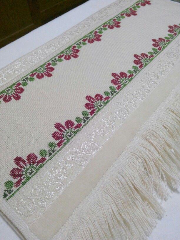 Toallas bordadas toallas bordadas pinterest toallas bordadas toallas y bordado - Cenefas punto de cruz para toallas de bano ...