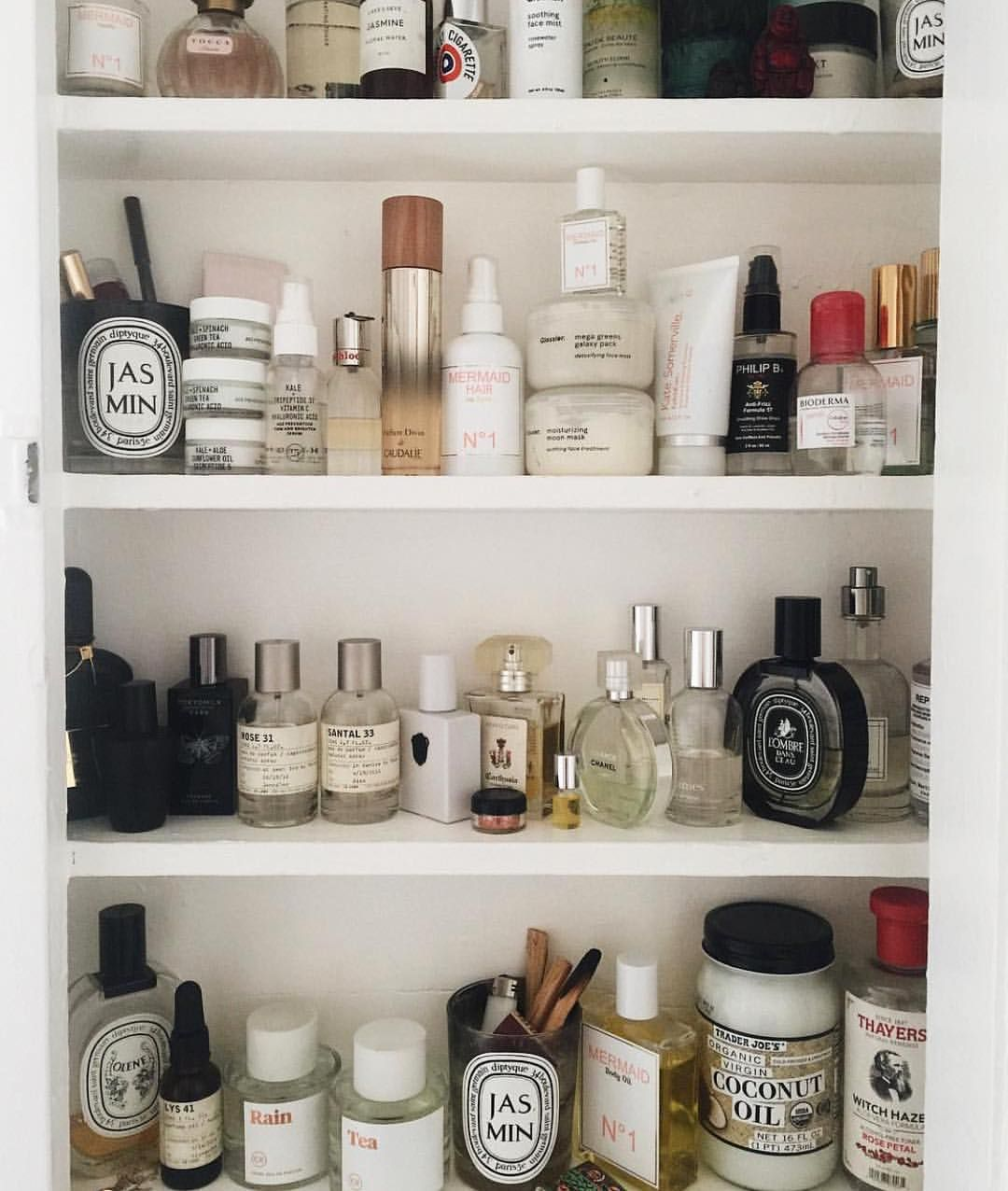 """781 Likes, 7 Comments - Youth To The People (@youthtothepeople) on Instagram: """"Our Serum, Eye Cream, and Mini Moisturizers have moved in. Feeling great about it. #happytobehome…"""""""