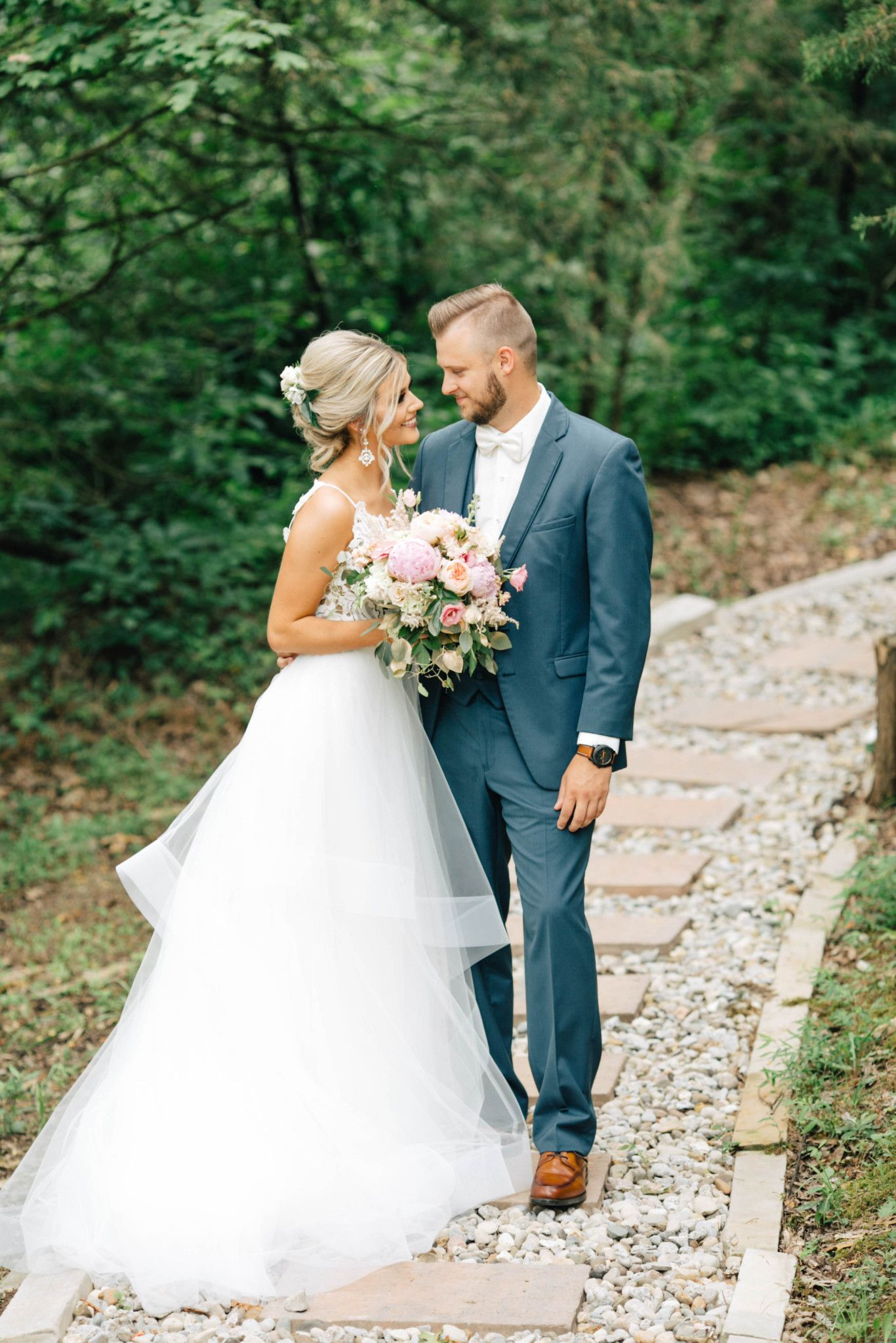 Kentucky Barn Wedding Reception Corporate Retreat Country Wedding Summer Wedding Country Wedding Gowns [ 2048 x 1366 Pixel ]