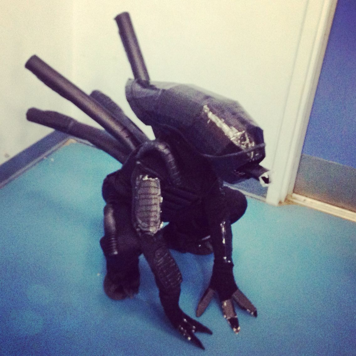 Side pic of the children's homemade xenomorph costume. Inspired ...