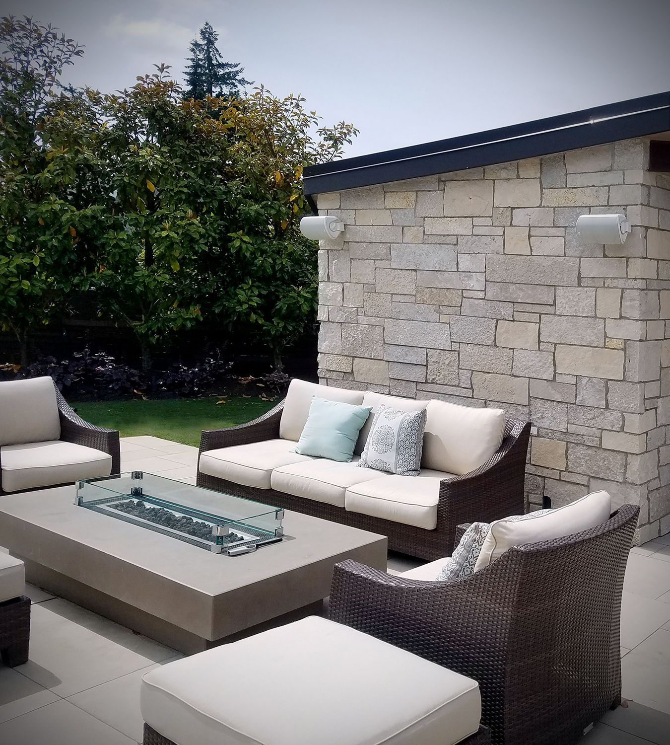 Modern Outdoor Fireplace Stone Veneer Exterior Stone Home