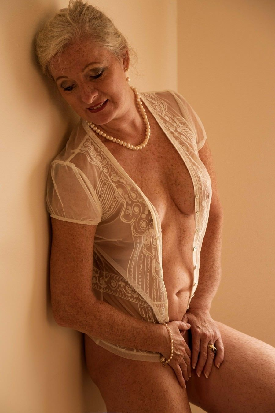Pin On Hot Older Women-6280