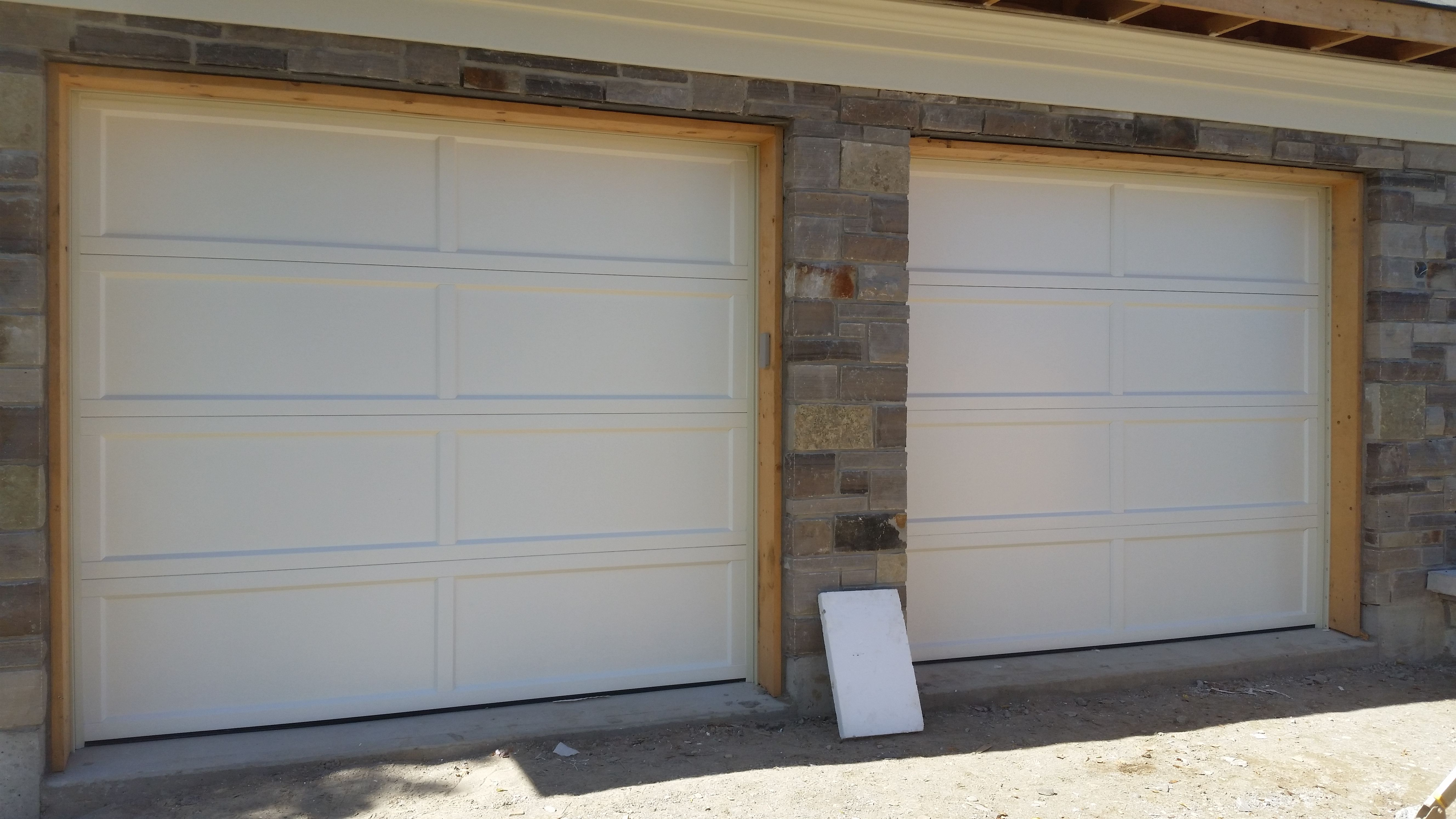 I 18973 Chi 2294 With Recessed Panel Outdoor Decor Garage Doors Installation